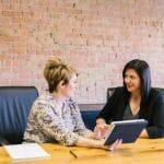 Ressources humaines : quels sont les facteurs qui déterminent le salaire d'un assistant RH ?