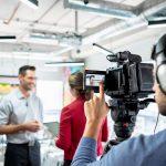 Métier de journaliste : salaire, missions, avantages et inconvénients