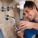 Quels sont les facteurs qui influent sur le salaire d'un plombier-chauffagiste ?