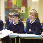 ATSEM (Agent Territorial Spécialisé des Écoles Maternelles) : salaire, formation et avantages